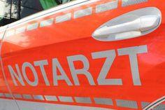 #Feuerwehreinsatz auf einem #Tankschiff –ergänzt– Auf einem Tankschiff im #Rhein ereignete sich am Montagmorgen ein Arbeitsunfall, bei dem der Kapitän ums Leben kam. Die beiden anderen #Besatzungsmitglieder kamen vorsorglich ins #Krankenhaus. Um kurz nach 11 Uhr wurde der Notfall gemeldet. Ein #Besatzungsmitglied lag bewusstlos in einem leeren Tank, der zuvor Benzol enthalten hatte. Da er noch nicht gereinigt worden war, enthielt er eine hohe Konzentration an giftigen Dämpfen. Die…