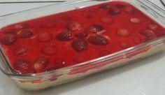 O Pavê Torta de Morango é fácil de fazer e muito saboroso. Ele é uma mistura de pavê e torta de morango que vai conquistar todos os seus familiares e convi