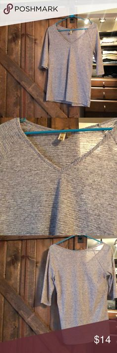 Gray women's BKE 3/4 sleeve textured shirt small Women's small BKE gray textured top. 3/4 sleeve super comfortable. Might have some small pills due to the nature of the fabric texture. From a smoke free home. This shirt is a great foundation piece! One of my favs! BKE Tops Blouses