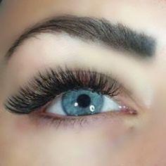 This beautiful set was done by Borboleta lash artist Borboleta Beauty, Russian Volume Lashes, Eyelash Lift, Scaly Skin, Hair And Makeup Tips, Minimal Makeup, Beautiful Eye Makeup, Eyelashes, Eyebrows