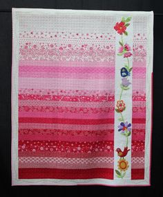 Flowers for Phoebe by Christine Patterson.  2014 Queensland Quilters Guild show…