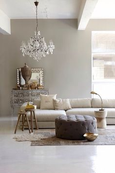 Interior Design Ideen wohnzimmer wandfarbe hellgrau kommode How to Choose a Color When Painting Your Room Inspiration, Interior Inspiration, Design Inspiration, Greige Paint, Interiores Design, Home And Living, Modern Living, Simple Living, Living Room Ideas