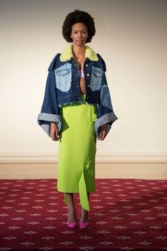 View the complete Natasha Zinko Spring 2017 collection from London Fashion Week.
