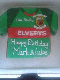 Mayo GAA shirt biscuit cake Biscuit Cake, Biscuits, Happy Birthday, Corner, Football, Cakes, Shirt, Crack Crackers, Happy Brithday