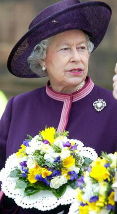 Queen Elizabeth, 2004. The Cullinan V brooch. It is a 18.8 carat heart shaped whopper. & one of my favourites.
