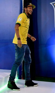 Neymar Photos Photos - Brazil Training Session - Zimbio