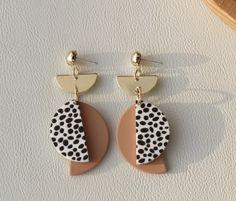 Diy Earrings Polymer Clay, Earrings Handmade, Polymer Clay Creations, Handmade Polymer Clay, Cute Earrings, Drop Earrings, Jewelry Making Tutorials, Clay Ideas, Clay Art