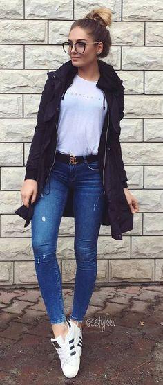 fall inspiration_jacket + sweatshirt + skinny jeans + sneakers