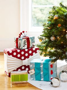 Give the Prettiest Presents - some great DIY wrapping ideas.