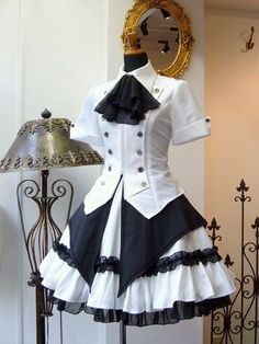 I like the top: Modern Victorian era steampunk clothing maid costume. Pretty Dresses, Beautiful Dresses, Mode Lolita, Mode Kawaii, Steampunk Couture, Costura Steampunk, Mode Costume, Maid Outfit, Steampunk Clothing
