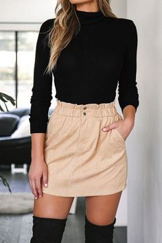 Wearing all beige is really trend this season. That's why I want to show you some beige outfit ideas, so you can get inspired from them. Mode Outfits, Trendy Outfits, Fashion Outfits, Fashion 2018, Womens Fashion, Cute Outfits With Skirts, Fashion Ideas, Fashion Trends, Classy Outfits