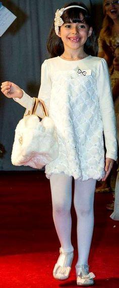 luluzinha kids ❤ loVe fasHion ❤Ana Laura Alves desfila em Uberlândia (MG) o vestido luxo da coleção Inverno 2014 Luluzinha Kids para a loja Chic Baby e Kids . Arrasou!