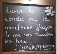 Lever le #coude est la #meilleure façon de ne pas #baisser les #bras !!! #blague #drôle #drole #humour #mdr #lol #vdm #rire #rigolo #rigolade #rigole #rigoler #blagues #humours Gym Humour, Teen Humor, Funny English Jokes, Some Funny Jokes, Funny Quotes For Instagram, Funny Quotes For Teens, Witty Quotes Humor, Hard Quotes, Image Fun