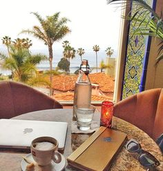A productive day filled with meetings & some lovely quite moments ☕️ @lavalenciahotel #thankfulthursday