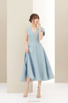 Moda ejecutiva FANCEE Bow Midi Kleid - LANE JT Why do we need some good old fashion advice Problems Simple Dresses, Elegant Dresses, Pretty Dresses, Casual Dresses, Prom Dresses, Summer Dresses, Midi Dresses, Teen Dresses, Casual Midi Dress