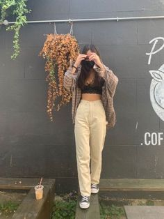 Adrette Outfits, Indie Outfits, Teen Fashion Outfits, Retro Outfits, Cute Casual Outfits, Vintage Outfits, Summer Outfits, Big Shirt Outfits, White Converse Outfits