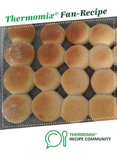 White Dinner Rolls by jenbabyv. A Thermomix <sup>®</sup> recipe in the category Breads & rolls on www.recipecommunity.com.au, the Thermomix <sup>®</sup> Community.