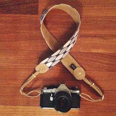 Alça para câmeras profissionais em tecido e couro :: Kör Atelier (camera strap)