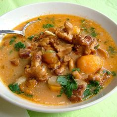 Hungarian Recipes, Hungarian Food, Eat Pray Love, Food 52, Soups And Stews, Thai Red Curry, Soup Recipes, Food And Drink, Dishes