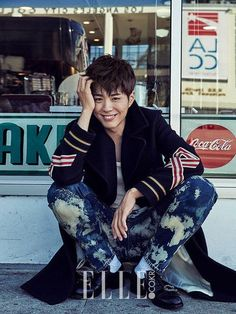 Photos of Park Bo Gum's first photo shoot taken abroad has been revealed.On November 16, 'Elle' released their pictorial with Park Bo Gum, wh…