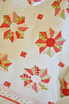love this pattern as a Christmas quilt