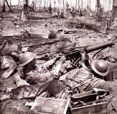 Australian soldier fires his machine gun into tree line after his Sergeant is killed by a Japanese sniper. Battle of New Guinea, Circa 1943 World History, World War Ii, Ww2 Photos, Anzac Day, Lest We Forget, Army & Navy, Military History, Armed Forces, Wwii