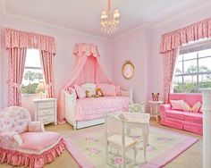 OMG! Pink, Pink, Pink. I love this bedroom. So roomy and adorable for any little princess. More