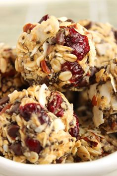 Quick and easy to make, these No Bake Cherry Pecan Chia Energy Bites are the perfect snack to boost an energy slump. Protein Bites, High Protein Snacks, Energy Snacks, No Bake Energy Bites, Energy Balls, Healthy Desserts, Healthy Recipes, Healthy Breakfasts, Protein Bar Recipes