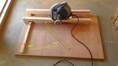 Guide de coupe pour scie circulaire. Angle de 90 ou 45° réglable. Pour pièces de petite taille (coupe inférieure à 60 cms)
