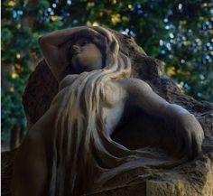 Tétricas pero hermosas esculturas. | Quiero más diseño