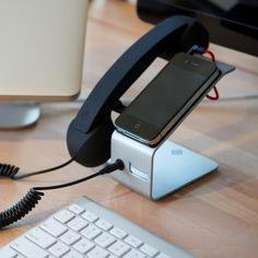 Native Union POP Desk Phone Smartphone Dock   by NATIVE UNION ©