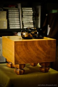 goban table and stunning bowls