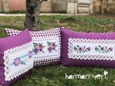 Tasarım/Yastık/Kanaviçe/otel on Instagram: Model MOR MENEVŞE STOKLARIMIZ Sewing Pillows, Diy Pillows, Decorative Pillows, Hand Applique, Hand Embroidery, Easy Crafts, Diy And Crafts, Vintage Crafts, Diy For Teens