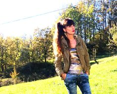#girl #sequins #paillettes #jeans #camo #girl #outfit #fashion #golden #look #collection #winer #outfitidea #madeinitay #fashionblogger #fashionblog #amanda  THE FASHIONAMY by Amanda Fashion blog outfit, made in italy, felpe tshirt street wear : #fashion Miss Miss by Valentina, top in paillettes e...