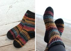 Autumn Socks - used black yarn with a color stripping yarn Wool Socks, Knitting Socks, Fun Socks, Designer Socks, Knitting Videos, Boot Cuffs, Mittens, Knitwear, Knitting Patterns
