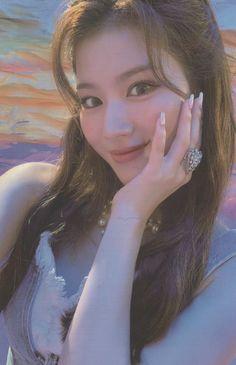 Nayeon, Sana Minatozaki, Twice Sana, I Icon, Feeling Special, S Pic, One In A Million, Aesthetic Pictures, Photo Cards