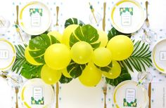 39 Easy DIY Party Decorations - DIY Balloon Fronds Party Table Centerpiece Garland - Quick And Cheap Party Decors, Easy Ideas For DIY Party Decor, Birthday Decorations, Budget Do It Yourself Party Decorations Party Table Centerpieces, Balloon Centerpieces, Diy Party Decorations, Birthday Decorations, Party Themes, Ideas Party, Balloon Garland, Diy Ideas, Decor Ideas