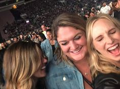 Candice King, Kayla Ewell and Carina at Taylor Swift concert on May 2018 at Rose Bowl Stadium in Los Angeles, California. Rose Bowl Stadium, Kayla Ewell, Taylor Swift Concert, Candice King, Candice Accola, Girls Night, Cool Girl, Good Things, Actresses