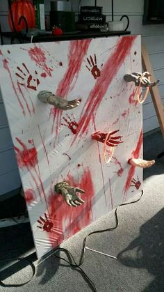Resultado de imagen para halloween decorations for school 2016 Halloween Prop, Halloween Carnival Games, Haunted Carnival, Creepy Carnival, Halloween Party Decor, Holidays Halloween, Diy Zombie Party Decorations, Zombie Party Games, Kids Halloween Games