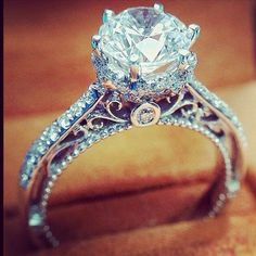 Vintage setting. Gorgeous engagement ring