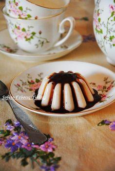 Σοκολατένιο καϊμάκι με σαλέπι και αγάρ αγάρ, τύπου πανακότα. Stevia, Panna Cotta, Deserts, Sweets, Baking, Ethnic Recipes, Food, Greek Recipes, Desserts