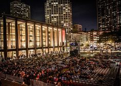The Metropolitan Opera's Opening Gala,the scene outside.Le Nozze di Figaro,Mozart