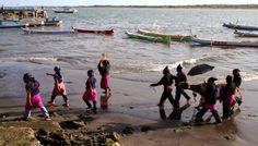 Ritual Nyalamaq di Lauq atau selamatan laut khas Pulau Lombok, NTB