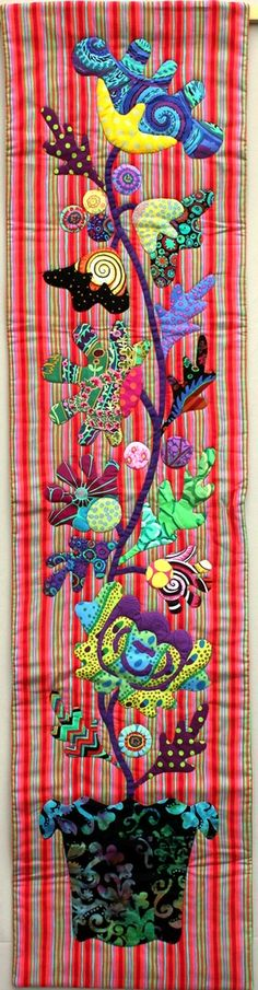 Ingrid Brejcha quilt | Galerie | Patchwork Gilde Austria Floral Quilts, Art Quilting, Applique Quilts, Fabric Art, Table Runners, Quilt Patterns, Journaling, Sewing, Modern