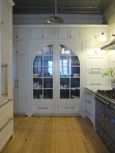 pretty cabinets and stove