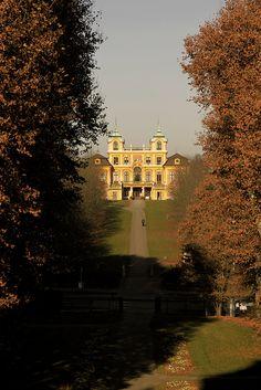 Final do outono no Palácio de Ludwigsburg, Alemanha