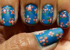 Diseño de uñas con flores