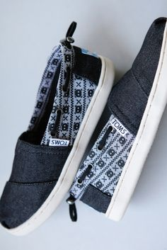 Give your kid a little rock and roll flair with TOMS skull printed slip-ons.