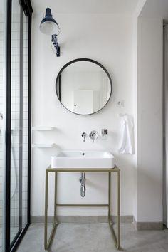 Home Interior Design .Home Interior Design Minimal Bathroom, Modern Bathroom, Small Bathroom, White Bathroom, Bathroom Sinks, Washroom, Modern House Design, Modern Interior Design, Interior Design Inspiration