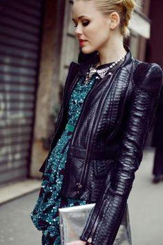 look soire pochettes mode femme veste en cuir de mode vestes en cuir noir tenues de cuir pinspiration cheveux de style peau de serpent